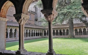 The cloister at Abbeye St. Pierre de Moissac, France (© GO69; license: CC BY-SA 3.0)