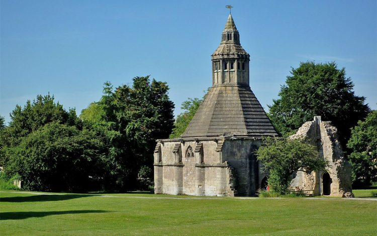 The Abbot's Kitchen at Glastonbury Abbey (© Franzfoto; license: CC BY-SA 3.0)