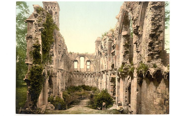 Polychrome print of the Lady Chapel at Glastonbury Abbey, c.1900 (Public domain)