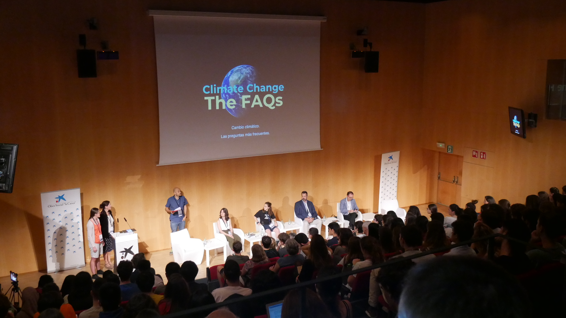 """Climate Change: the FAQs"" and CLIMOVAR workshop. By Laia Comas Bru"